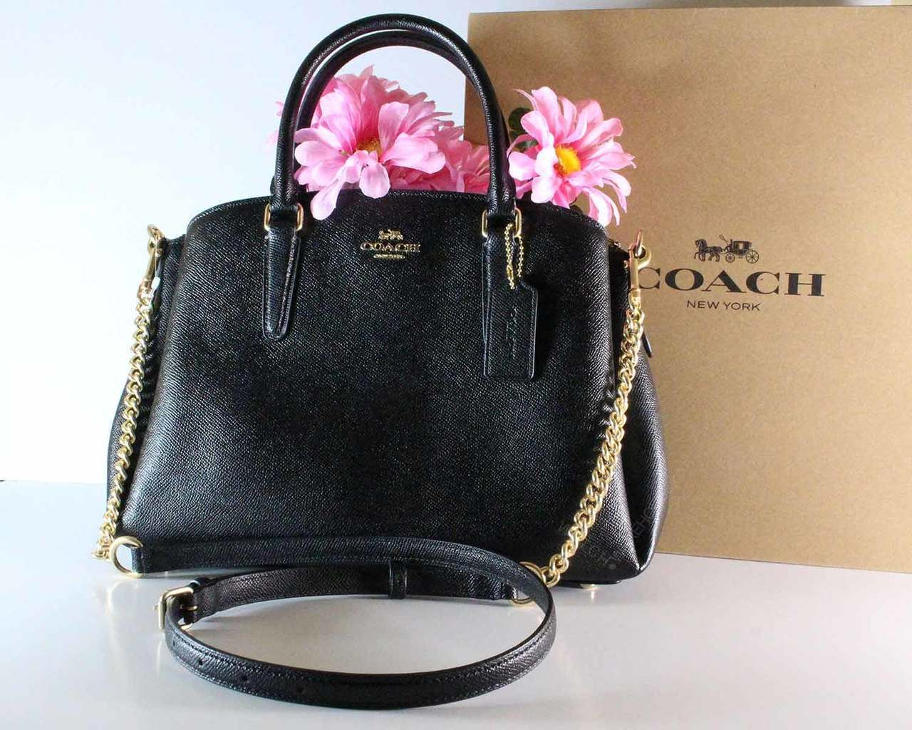 win-coach-purse
